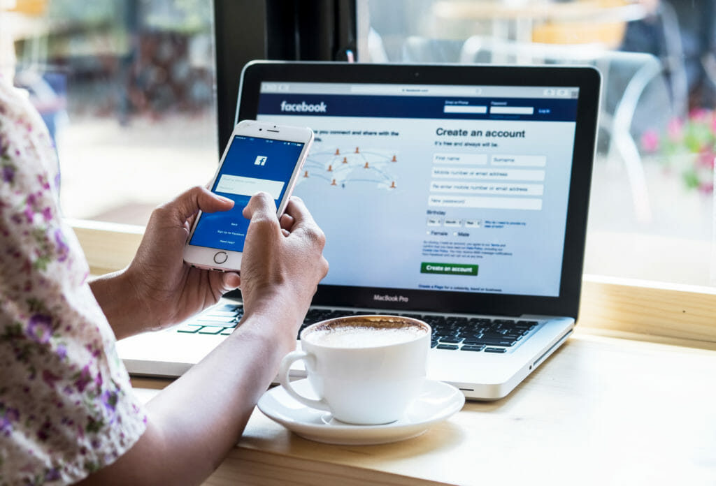 how facebook news feed works & 5 ways to leverage it in your social strategy